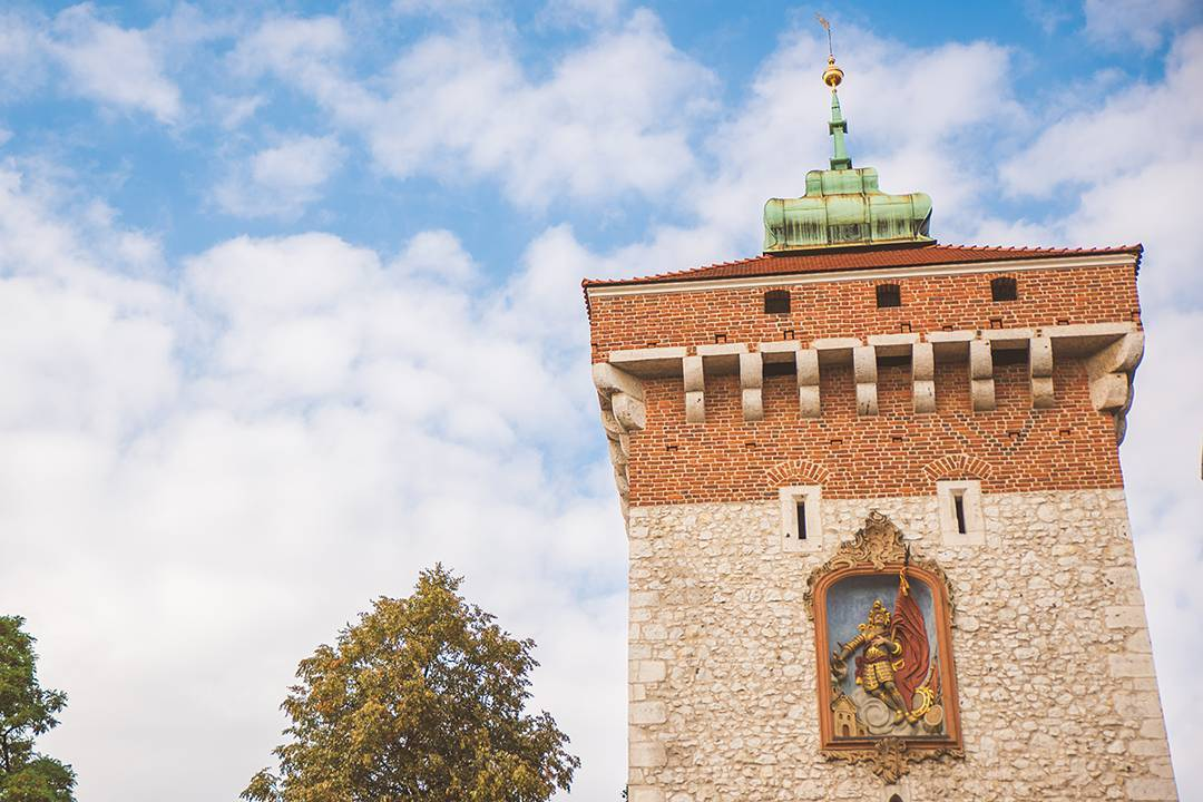 Florian Gate (Brama Floriańska) was built in the 1200s to keep out those Tatars and became the entrance to Krakow's Old Town. Because nothing's more intimidating to some invading Turks than a carving of a man clutching his stomach, am I right?