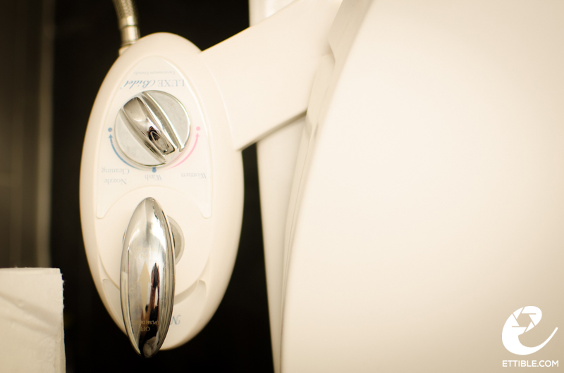 Lux Bidet Neo 180 Toilet Attachment